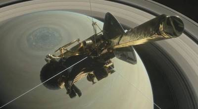NASA's historic Cassini spacecraft set to crash into Saturn's atmosphere Friday morning
