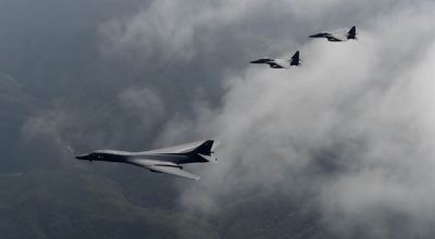 Trump sends bombers over the Korean peninsula, meets with defense officials to discuss military options