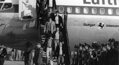 GSG-9 Storms Lufthansa Flight 181 in Somalia, Frees 86 Hostages