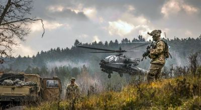 Picture of the Day: AH-64 Apache Helicopter Takes off During Allied Spirit VII in Germany