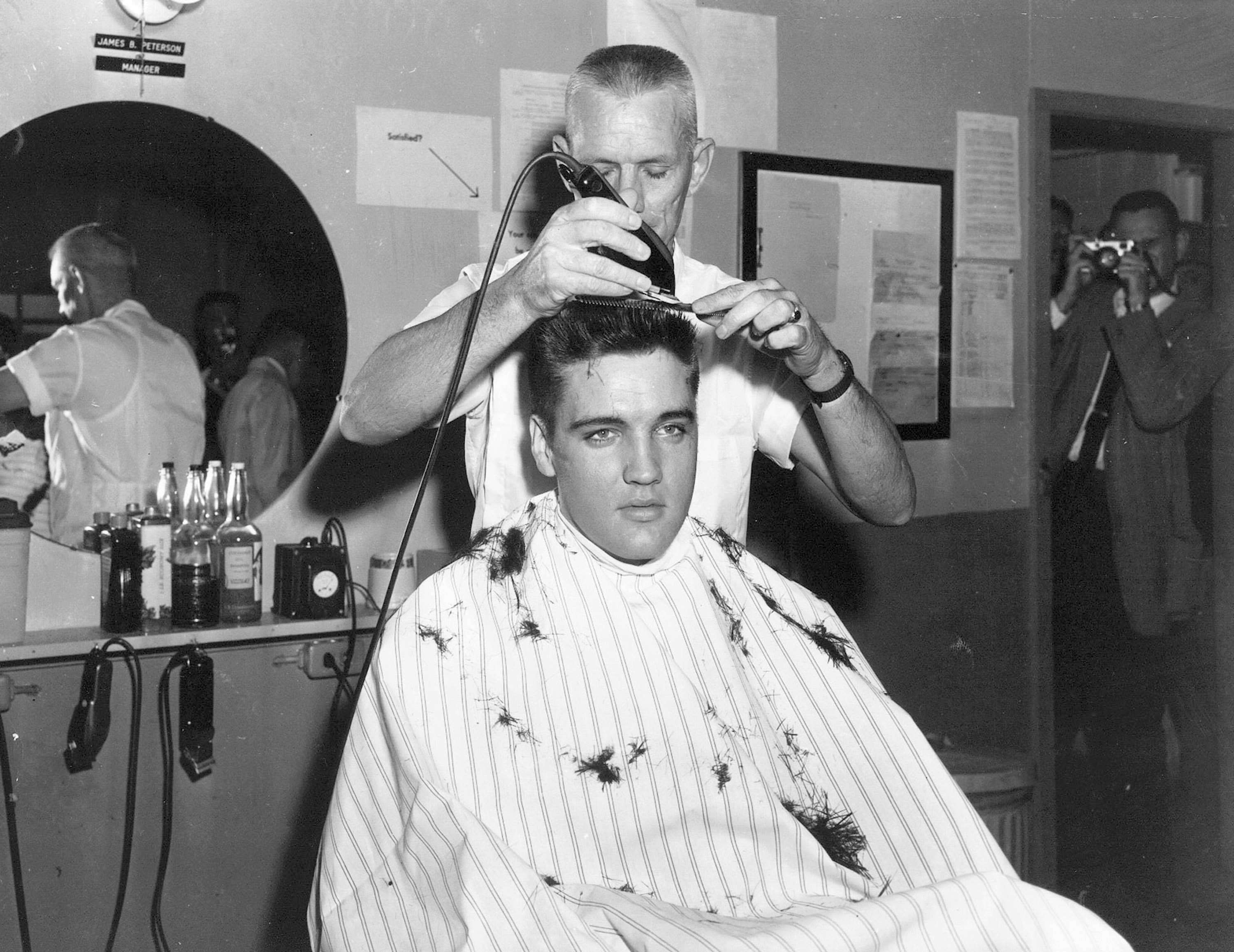 10 Interesting Photographs of Elvis Presley Joins the Army