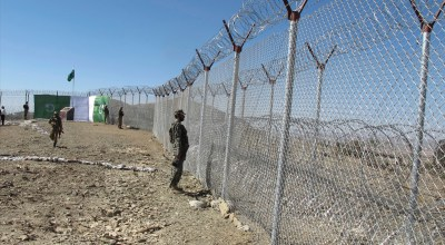 Pakistan's border fence: Keeping out the Taliban
