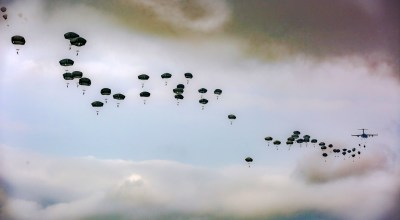 Picture of the Day: Army Paratroopers 82nd Airborne Division Airborne Review at Fort Bragg