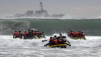 How the best nonprofits are like Navy SEALs