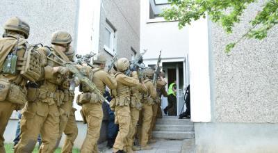 Watch: Ukraine's counter-terrorism soldiers conduct training exercises
