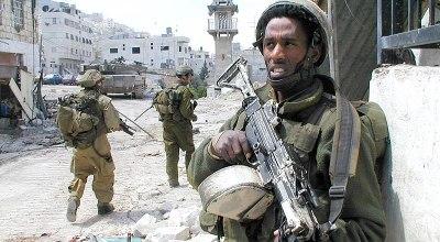 Israel provides humanitarian aid to Syrian refugees