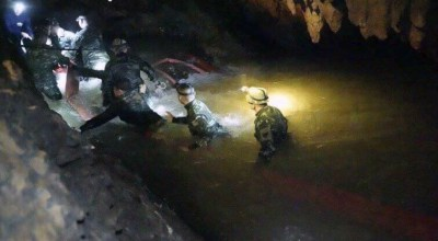 Thailand: Royal Thai Navy SEALs find trapped boys alive after 10 days in a submerged cave system
