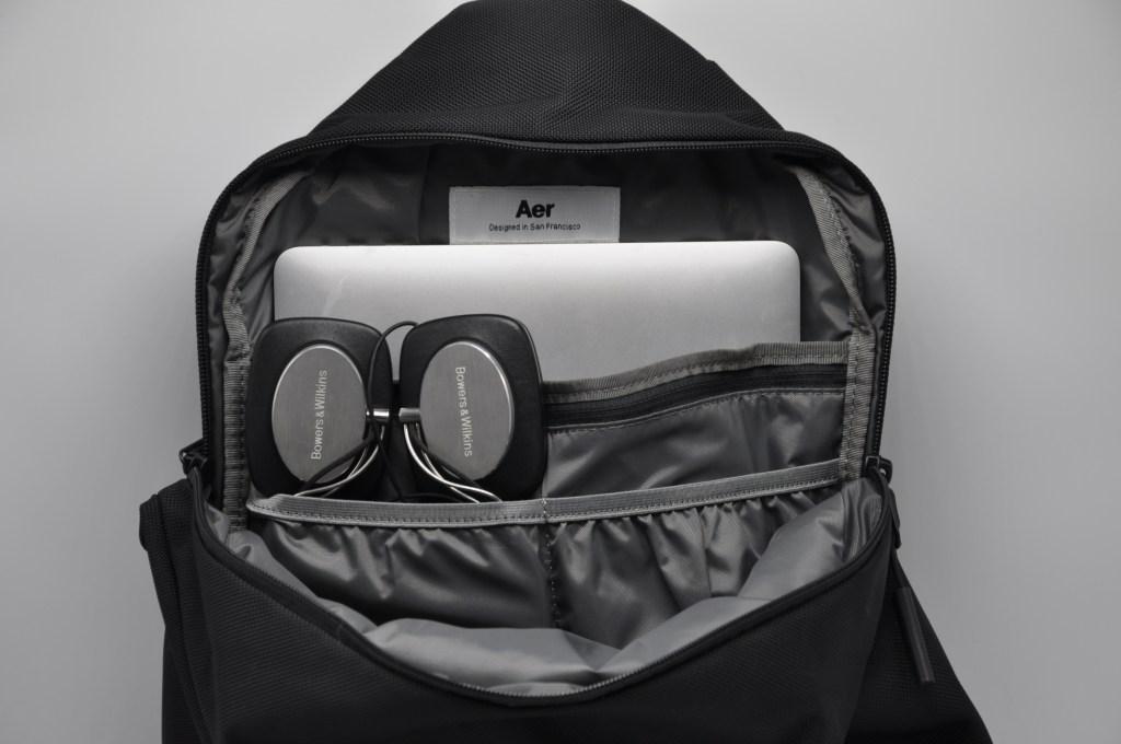 Aer Sling Bag 2 | For nomadic travel