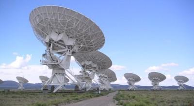 The Very Large Array in Socorro, New Mexico, an interferometric array formed of 27 parabolic dish telescopes. (WikiMedia Commons)sei