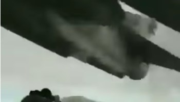 Watch a Ukrainian fighter pilot make the craziest low-altitude pass you may ever see