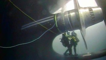 Coast Guard sends scuba divers under ailing icebreaker in Antarctica--and that's not all that went wrong
