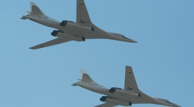 US Air Force F-22s and Canadian CF-18 fighters intercept Russian bombers near North American coastline for the first time this year