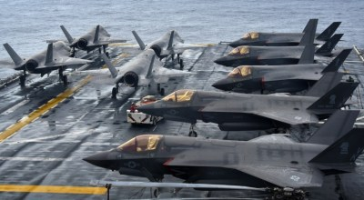 (U.S. Navy photo by Mass Communication Spc. 1st Class Daniel Barker)