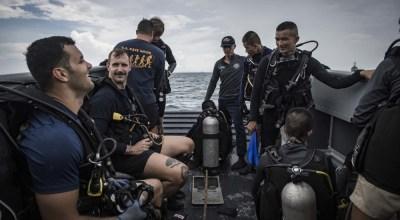 (U.S. Navy photo by Mass Communication Specialist 2nd Class Joshua Mortensen)