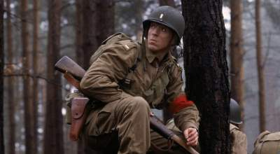"(Actor Damian Lewis U.S. Army Maj. Richard Winters in the HBO miniseries ""Band of Brothers."" All photos: Wikipedia)"