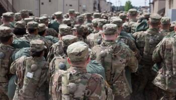 사설 : 군대 모집 문제는 마케팅 전략으로 해결할 수있는 것보다 훨씬 큽니다.
