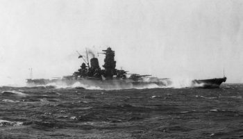 American aircraft sink Yamato, the world's largest battleship
