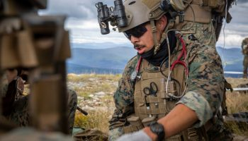 Here's What an Army Medic Does in the Critical Minutes After a Soldier is Wounded