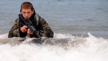 """""""The Rock"""": the Last Stage for the two Female Navy SEAL Candidates"""