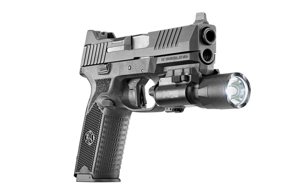 FN 509 Surefire X300 Ultra gun light