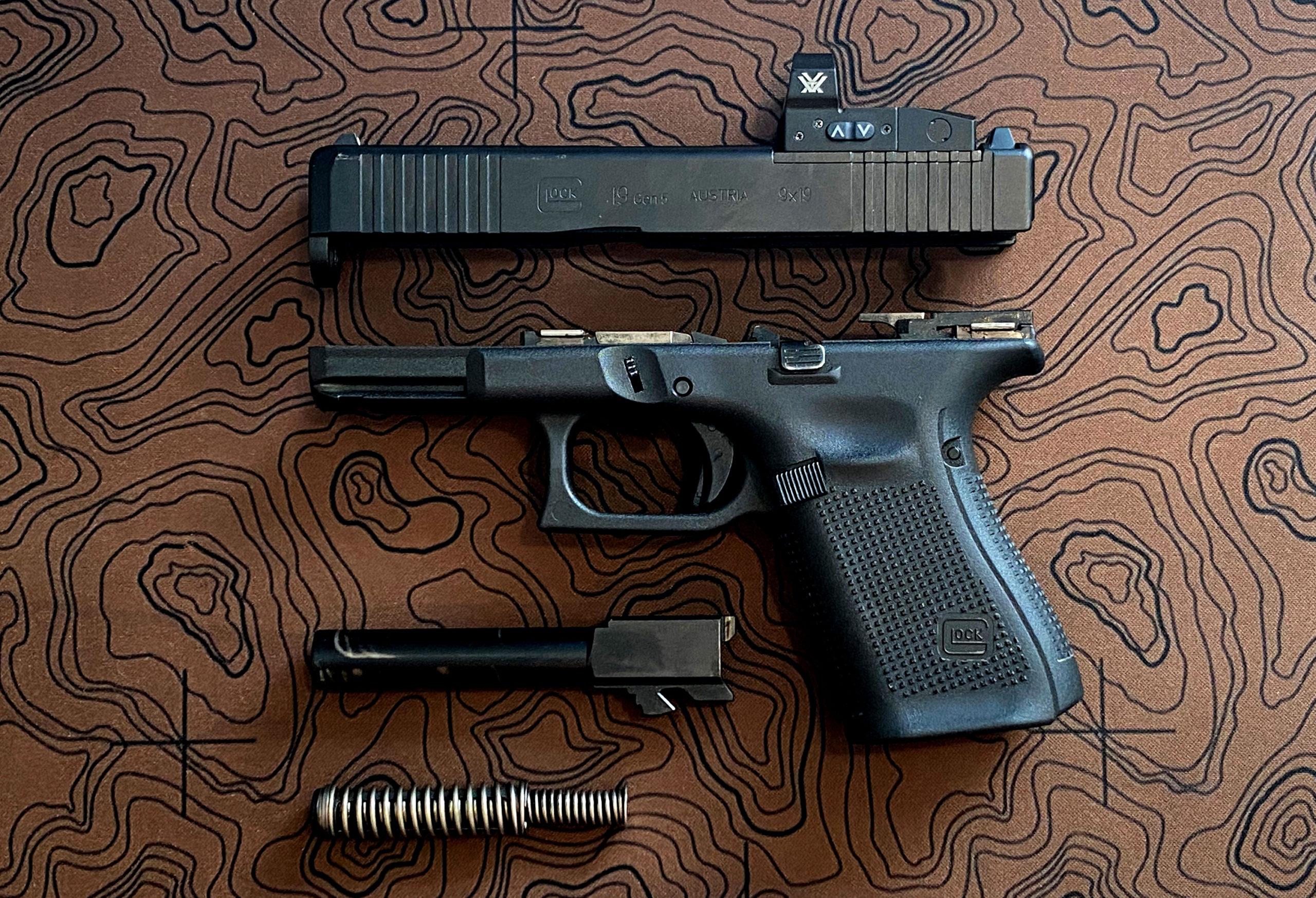 Glock 19 Gen 5 disassembled parts