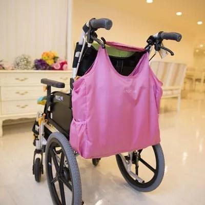 【おしゃれな軽量バッグ】車椅子やベビーカーでの移動に便利・とても軽くて機能的