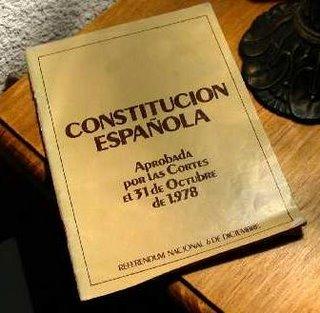https://i0.wp.com/cms7.blogia.com/blogs/b/bu/bue/buenosdiascasares/upload/20081128150857-dia-de-la-constitucion.jpg