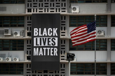 "U.S. Embassy in Seoul Unveils ""Black Lives Matter"" Banner in Solidarity With American Movement"