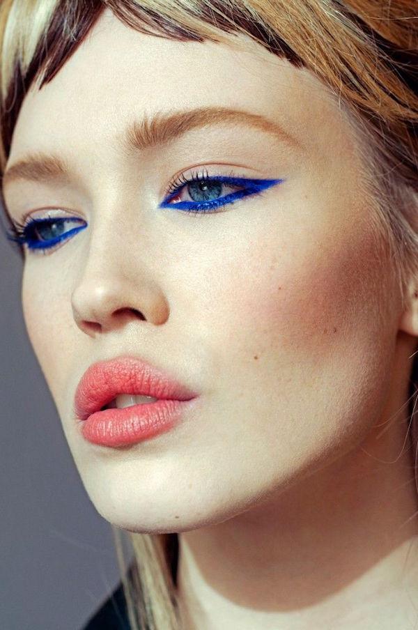 ClioMakeUp-trucco-estivo-che-non-cola-9-eyeliner-blu