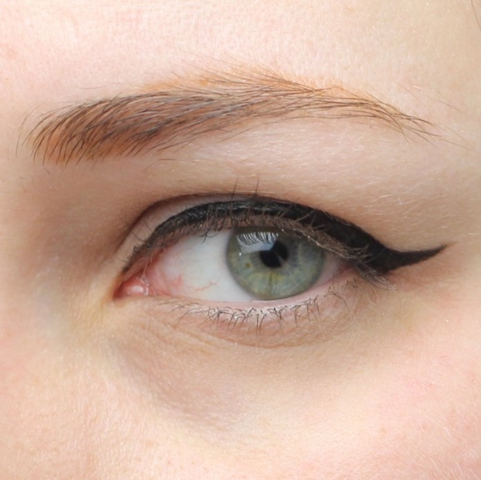cliomakeup-recensione-deborah-eyeliner-puro-8