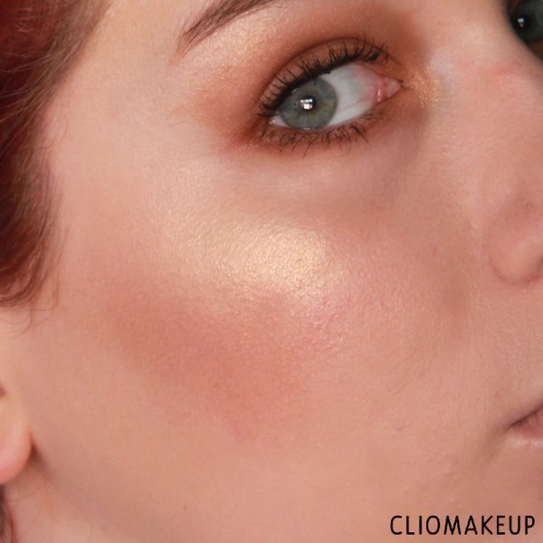 cliomakeup-recensione-the-glow-must-go-on-palette-essence-14