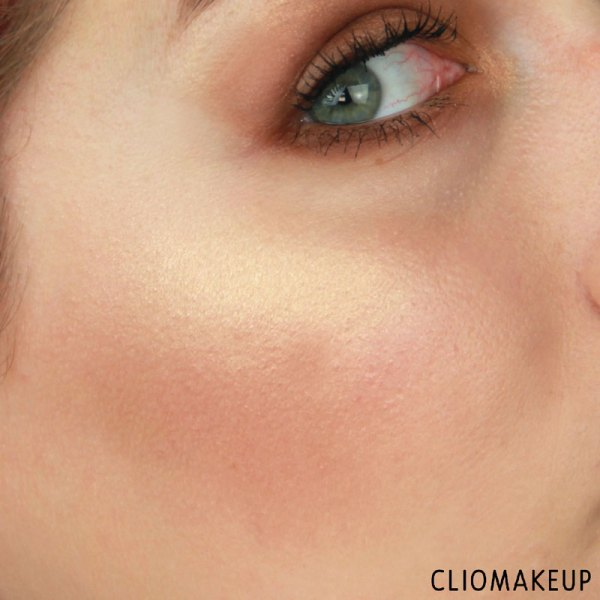 cliomakeup-recensione-the-glow-must-go-on-palette-essence-15
