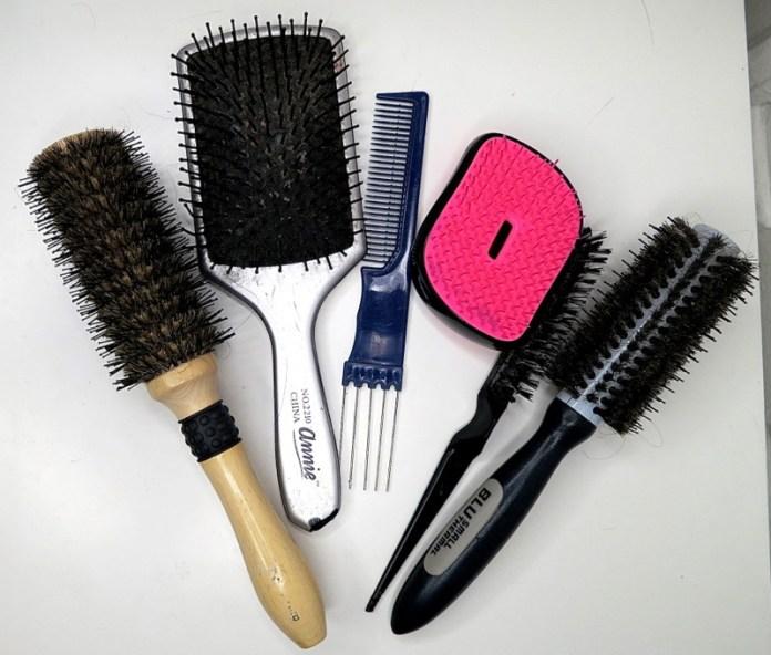 ClioMakeUp-spazzole-tool-capelli-come-pulirli-clio-metodi-fai-da-te-9