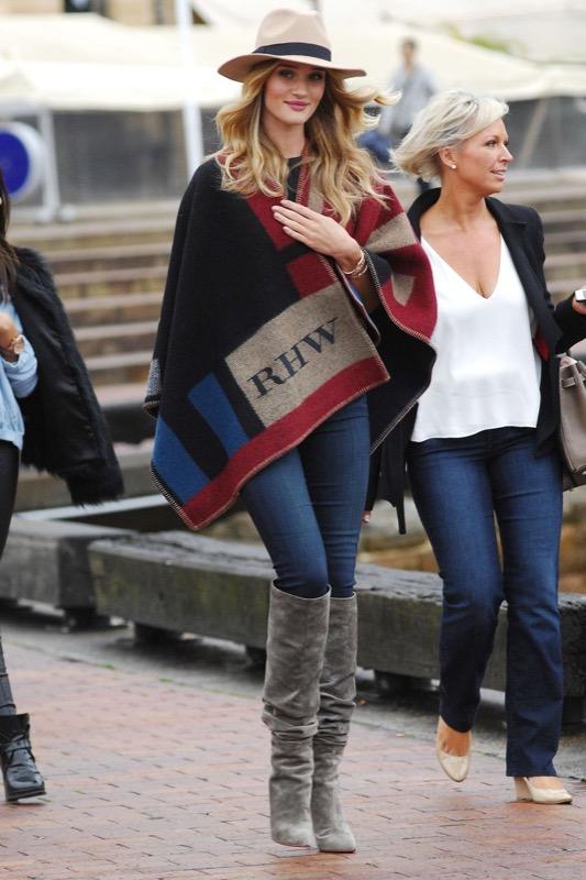 ClioMakeUp-celebrity-vestito-uguale-rosie-huntington-whitley