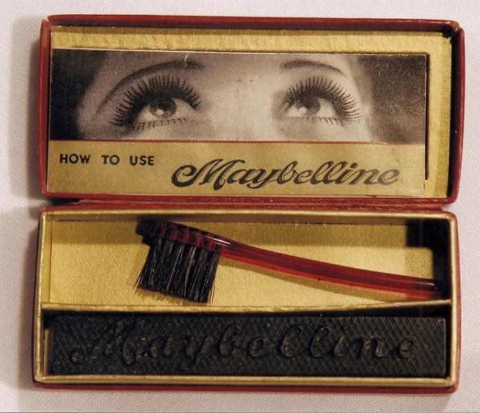 ClioMakeUp-curiosita-prodotti-make-up-famosi-storia-maybelline-mascara-tarte-benefit-clinique-revlon-stila-anastasia-10
