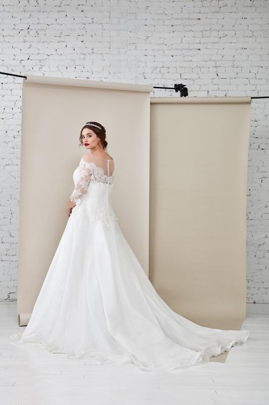 ClioMakeUp-happy-bride-atelier-eme-prodotti-make-up-sposa-matrimonio-make-up-trucco-occhi-labbra-rossetto-base-4