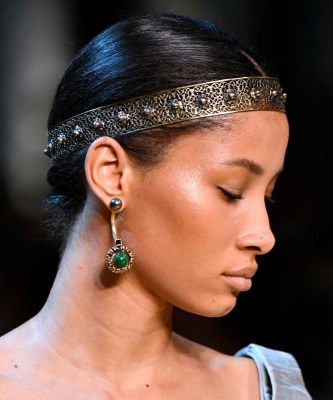 ClioMakeUp-alta-moda-haute-couture-parigi-paris-2017-2018-trucco-look-trend-moda-autunno-Elie Saab