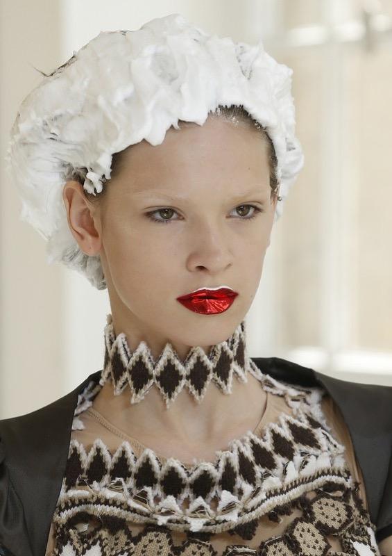 ClioMakeUp-alta-moda-haute-couture-parigi-paris-2017-2018-trucco-look-trend-moda-autunno-maison-margiela-make-up