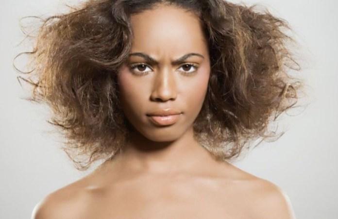 ClioMakeUp-capelli-crespi-secchi-estate-rimedi-prodotti-maschere-shampoo-acconciature-6