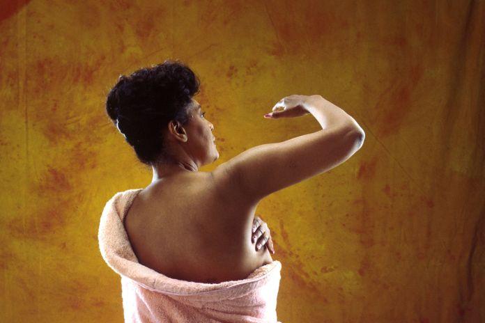 ClioMakeUp-deodoranti-naturali-battaglia-quale-scegliere-igiene
