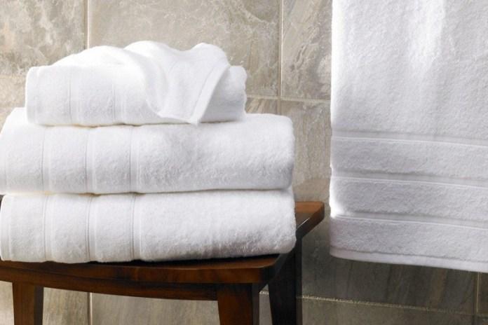 cliomakeup-errori-doccia-5-asciugamano