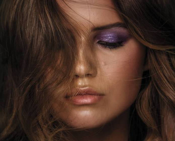 ClioMakeUp-makeup-more-colore-momento-ultra-violet-ispirazioni-occhi-labbra-beauty-22