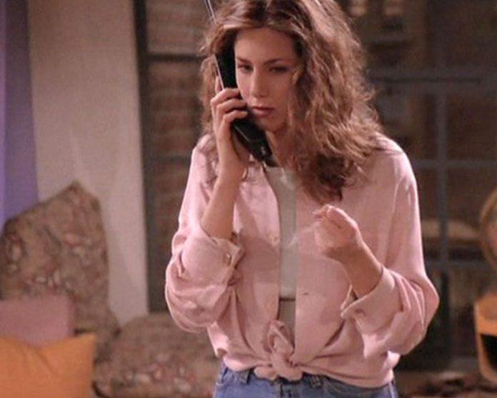 cliomakeup-ritorno-anni-novanta-rachel-green-millenial-pink