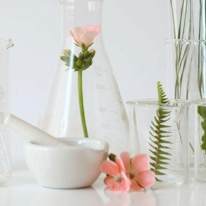 cliomakeup-fondotinta-senza-siliconi-4-ingredienti-naturali
