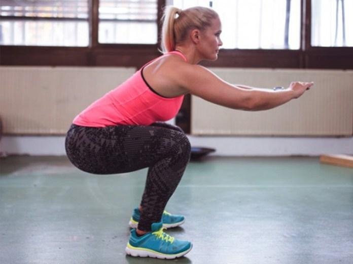 cliomakeup-come-fare-gli-squat-a-casa-benefici-squat