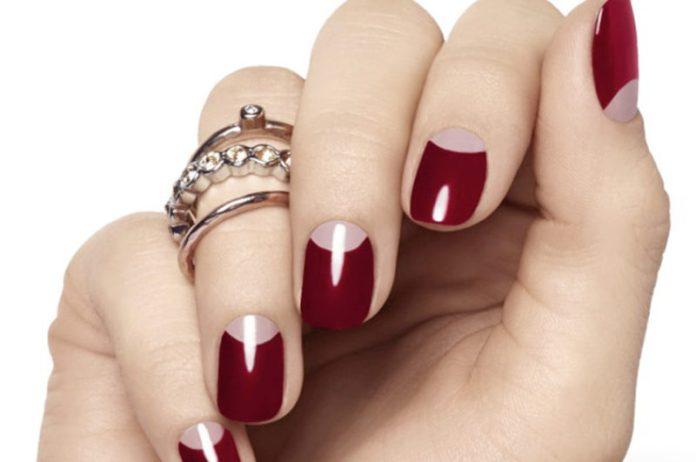 cliomakeup-french-manicure-mezzaluna-half-moon