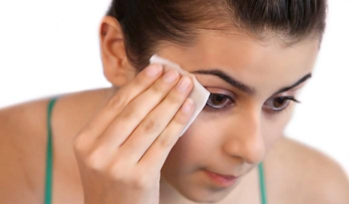 cliomakeup-skincare-pelle-acneica-13-acqua-micellare