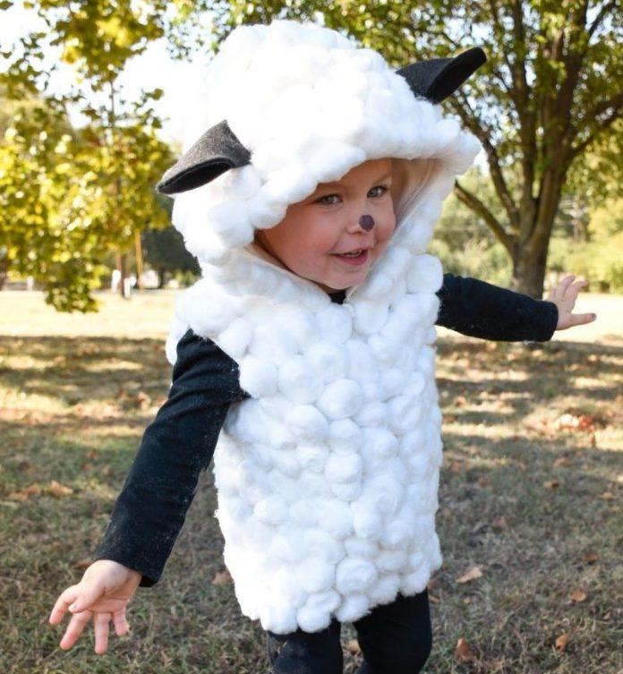 cliomakeup-costumi-carnevale-diy-bimbi-costume-pecorella-1