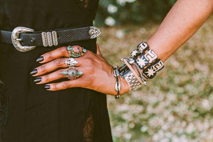 Cliomakeup-vestire-stile-coachella-12-bijoux