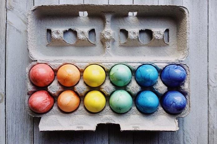 cliomakeup-idee-pasqua-bimbi-uova-colorate-fai-da-te